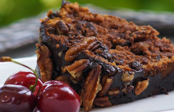 Pastel de chocolate y nueces vegano